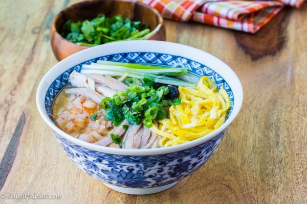 Bun thang Vietnamese vermicelli chicken noodle soup