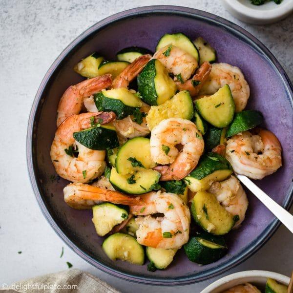 Sauteed shrimp with zucchini