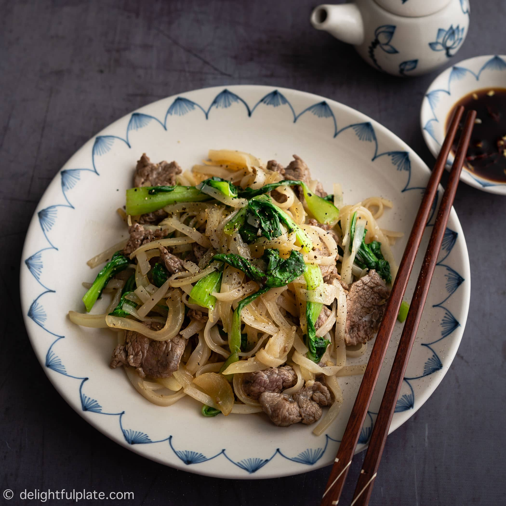 Vietnamese Stir Fry Rice Noodles with Beef
