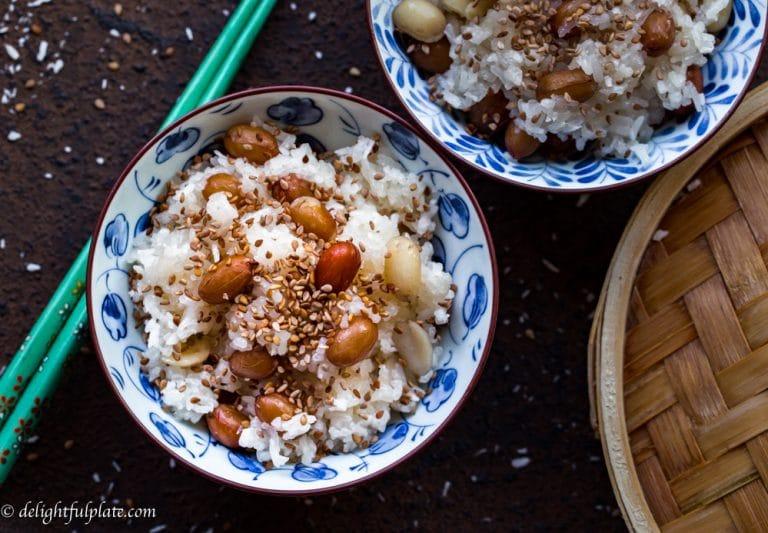 Steamed peanut sticky rice in coconut milk (Xoi lac dua)