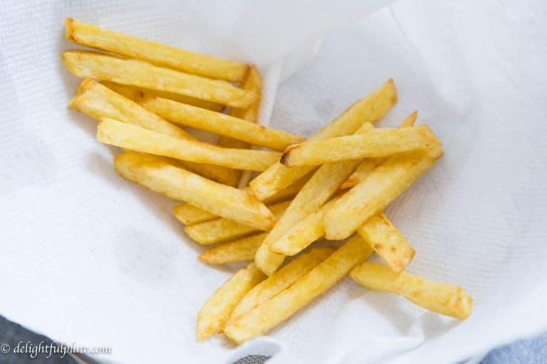 Celery leaves beef stir-fry with crispy fries