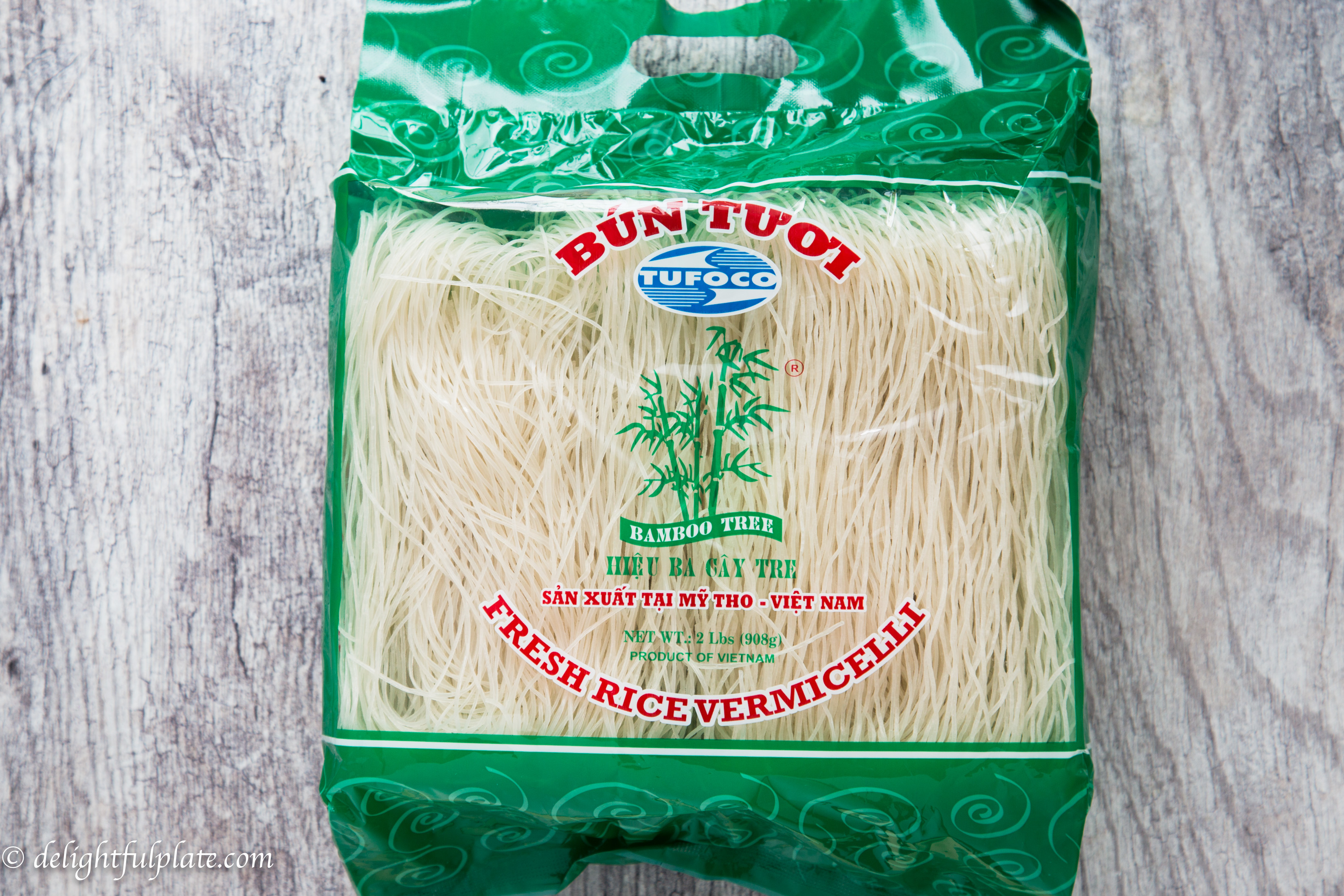 Bamboo tree (Ba Cay Tre) vermicelli noodle brand.