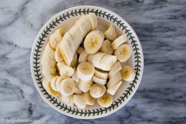 Sliced bananas for Vietnamese banana tapioca pudding