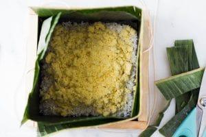 Assembling Banh Chung: add mung bean