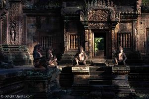 Must See in Siem Reap - Banteay Srei temple built from pink sandstones
