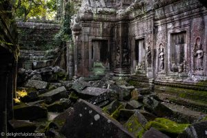 Atmospheric Ta Prohm in early morning