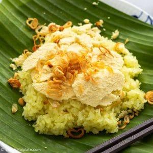 Vietnamese Mung Bean Sticky Rice (Xoi Xeo Hanoi)