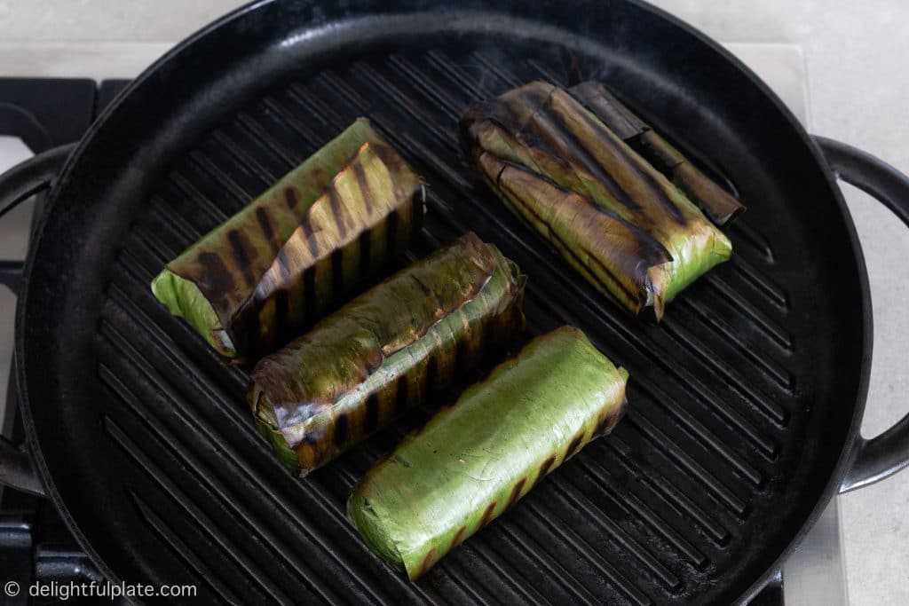Grill banana sticky rice rolls with a grill pan