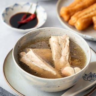 White Pepper Pork Rib Soup (Singapore Bak Kut Teh)