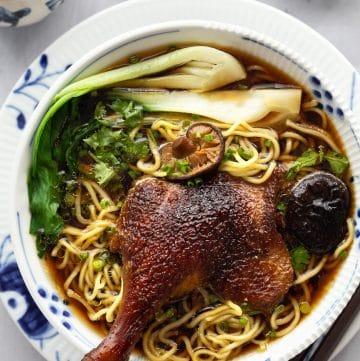 Vietnamese Duck Noodle Soup (Mi Vit Tiem)