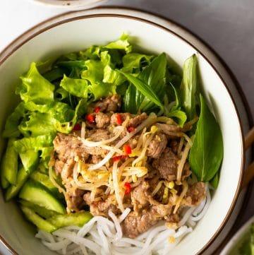 Vietnamese Lemongrass Pork Noodle Salad (Bun Thit Xao)