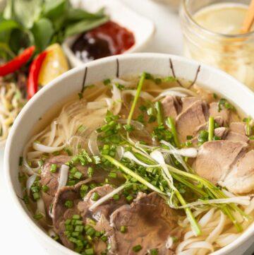 Authentic Vietnamese Beef Pho Noodle Soup (Phở Bò)