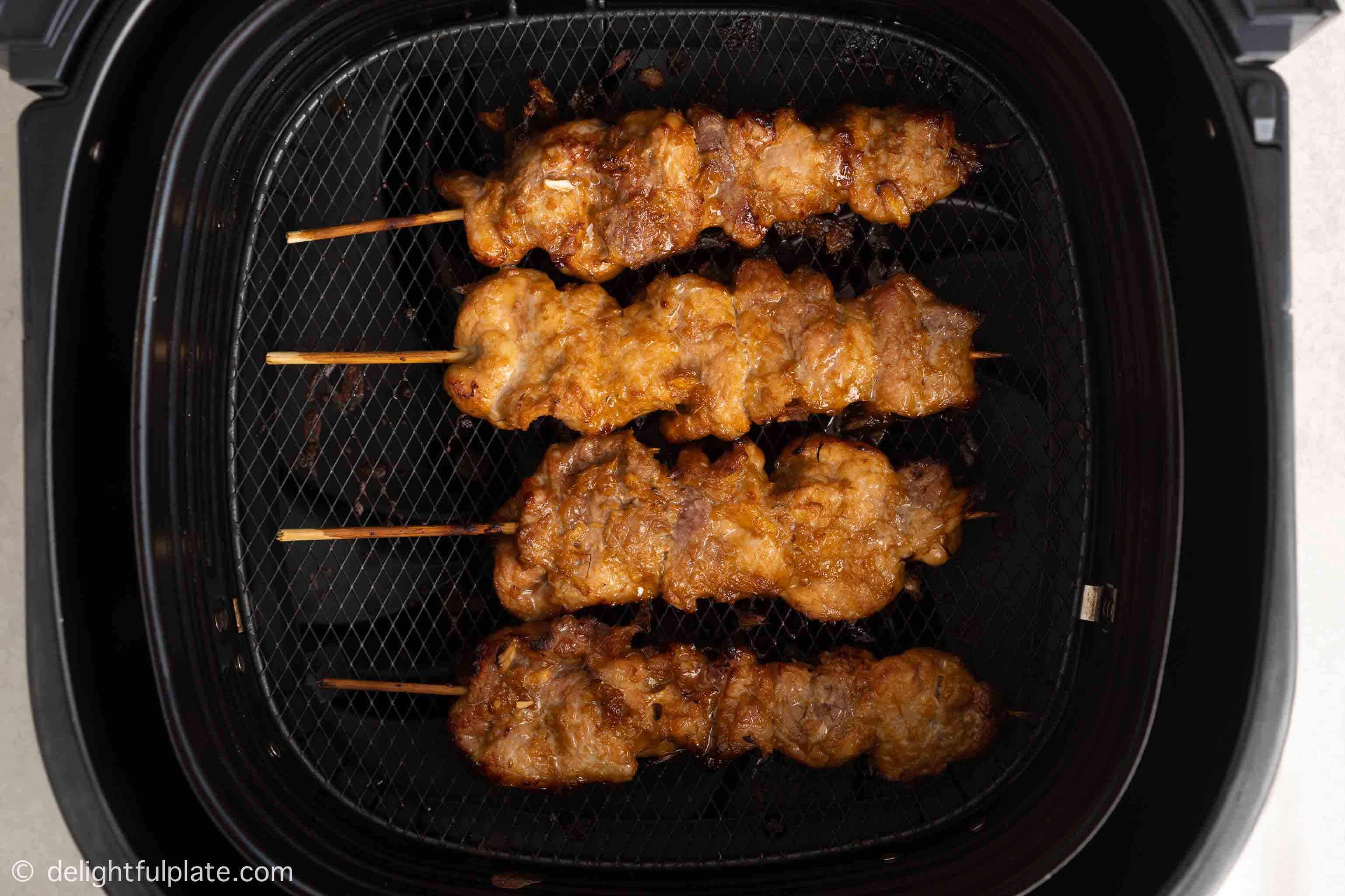 4 pork skewers in the air fryer basket