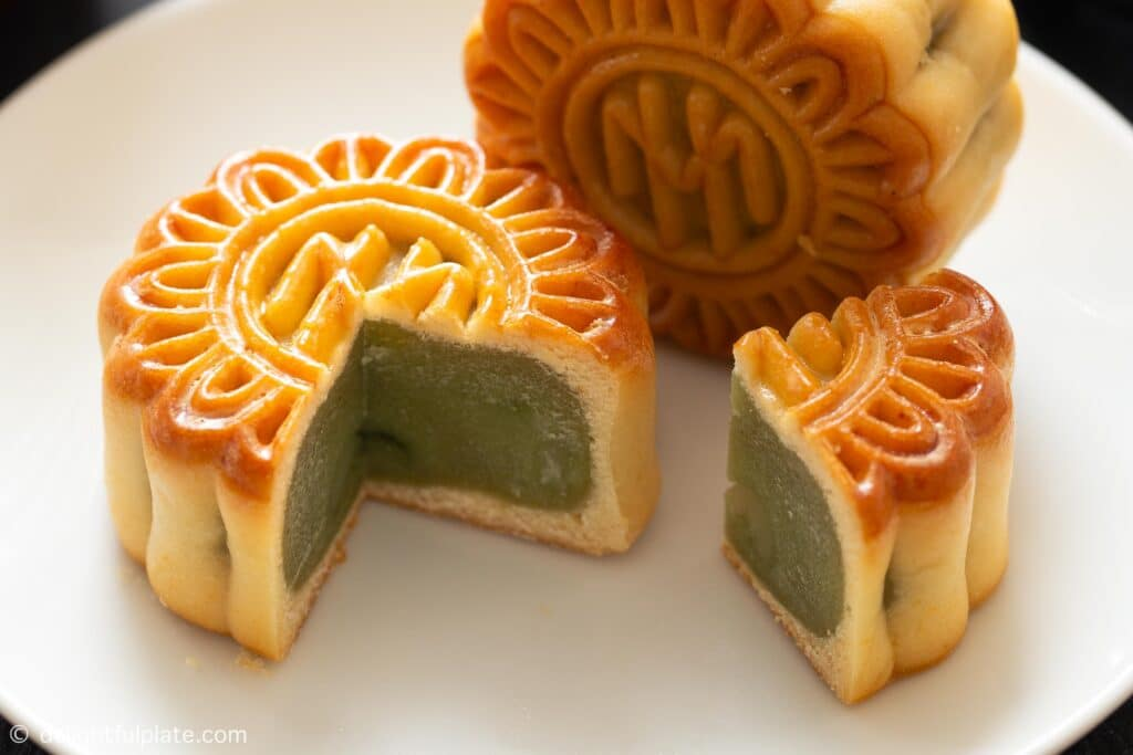 Moon cake with filling made from cốm and lotus seeds