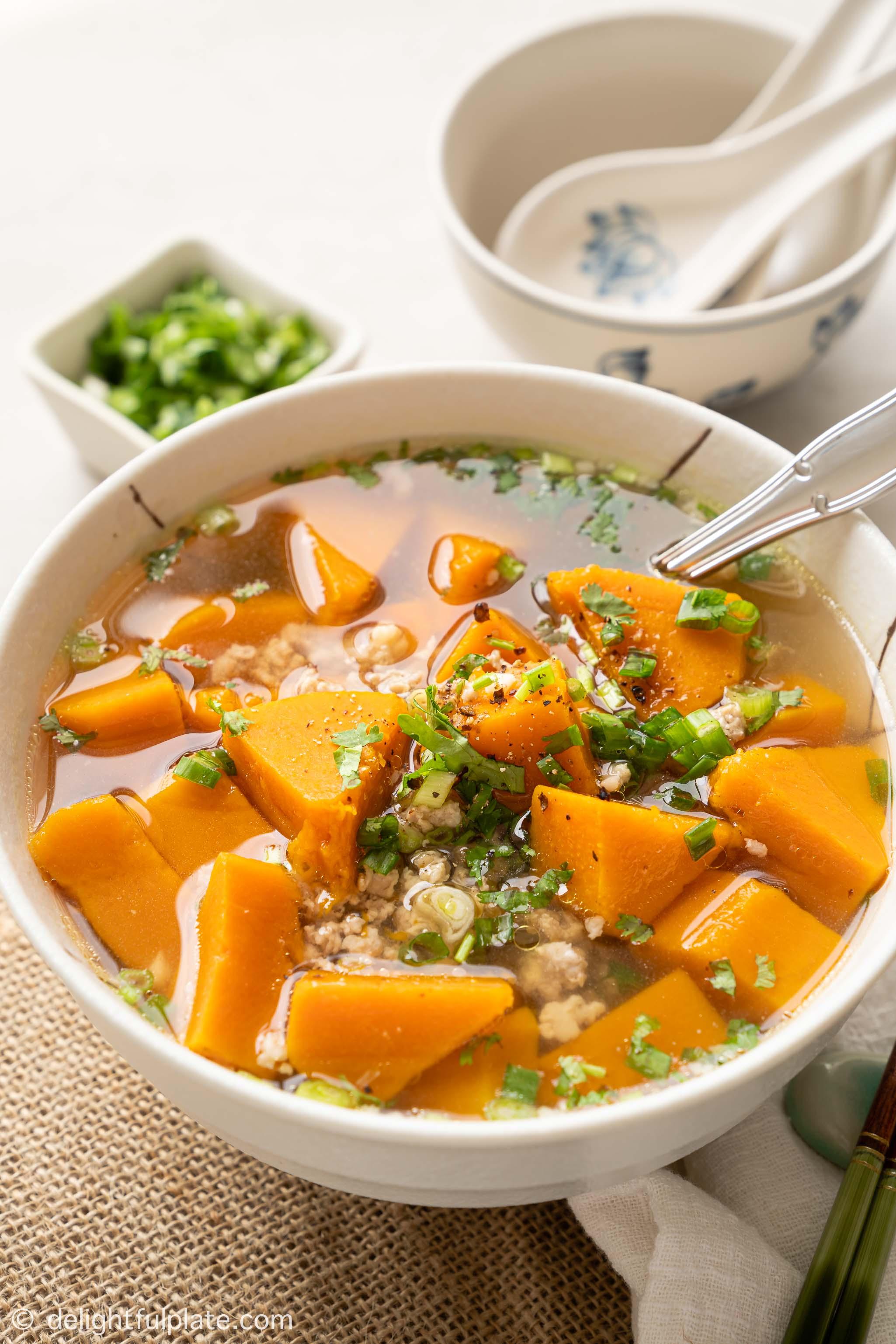 a bowl of Vietnamese butternut squash soup (canh bi do)