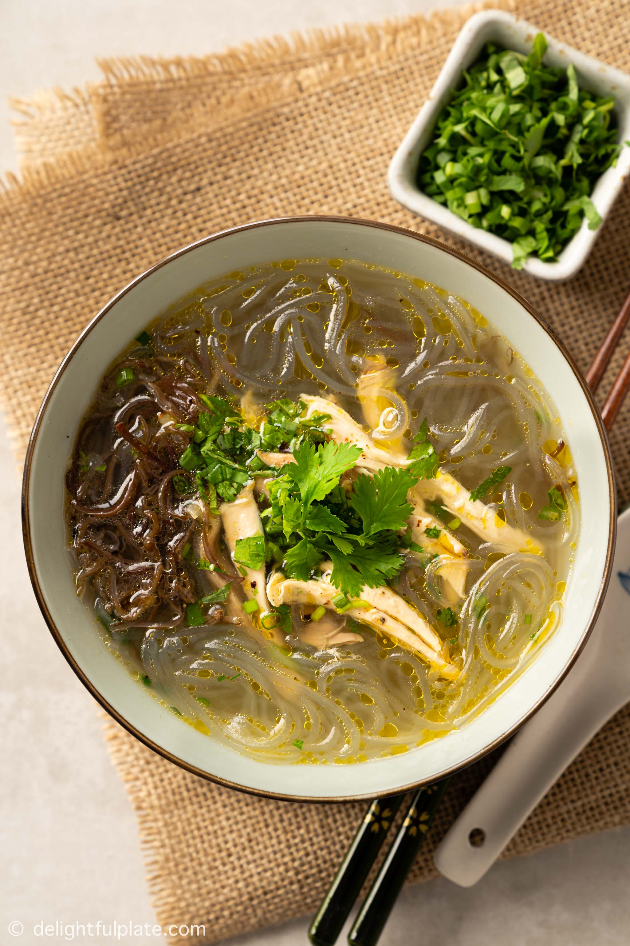 a bowl of Vietnamese chicken glass noodle soup (mien ga)