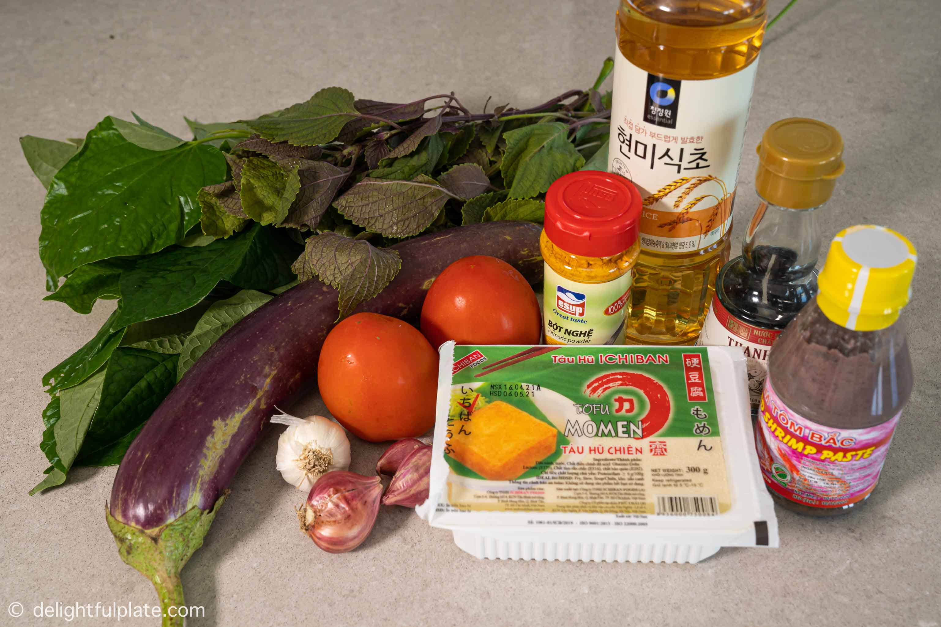 Ingredients for Vietnamese turmeric braised ribs