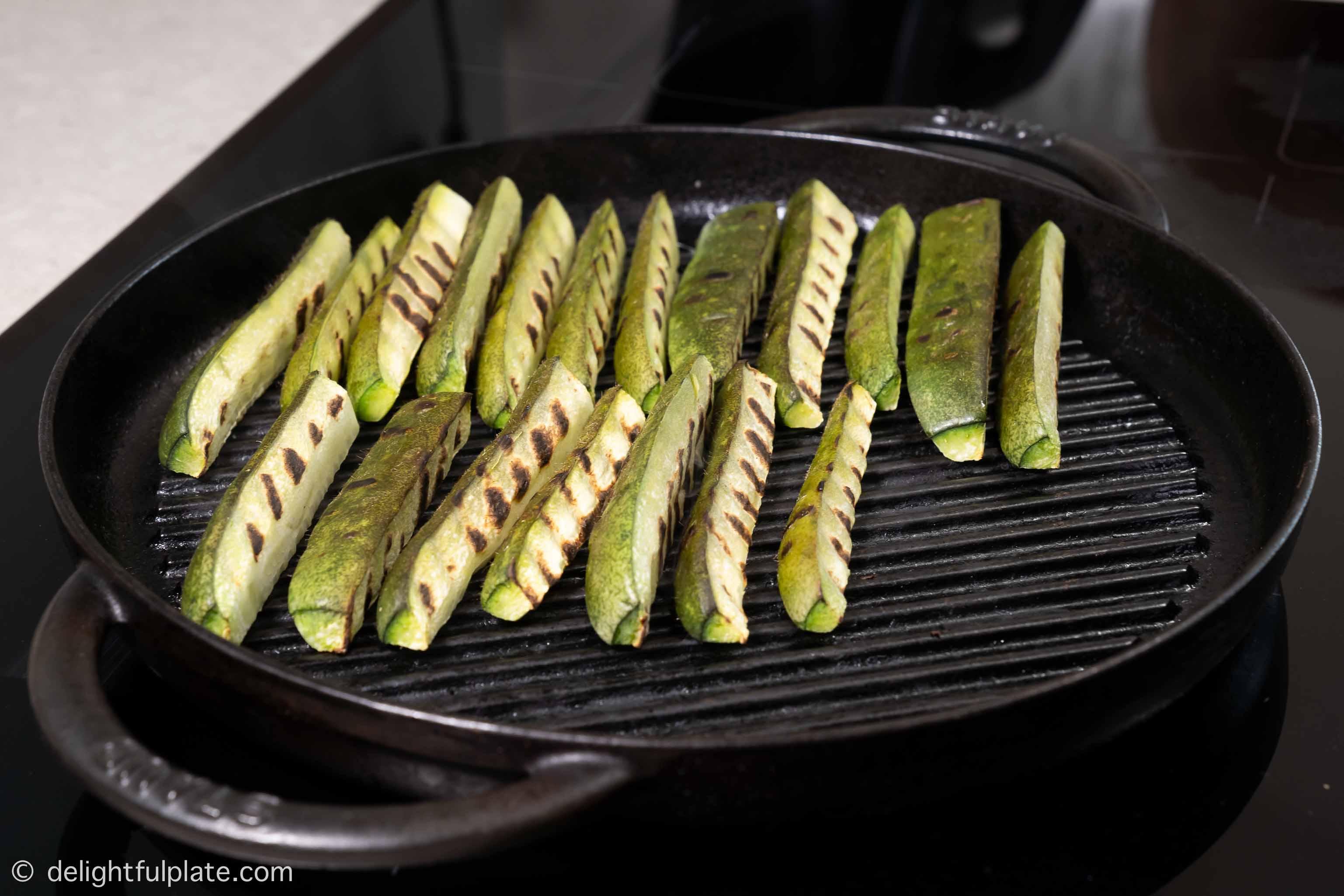 Grilling winter melon slices
